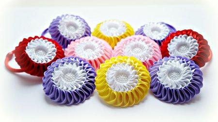 1491315711_maxresdefault Канзаши бантики и цветы из атласных лент своими руками 100 разных идей для вдохновения. Лепестки канзаши из лент 5 мастер классов.