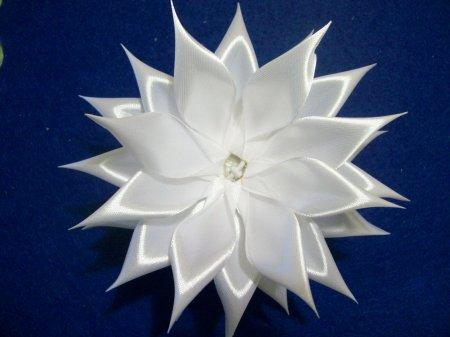 Канзаши хризантема
