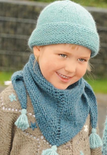Вязание шарфа-косынки спицами для девочки