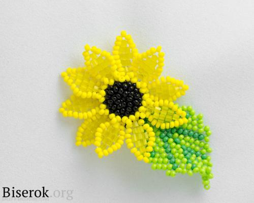 Цветы из бисера в мозаичной технике